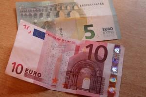 dollar-bill-256669_640